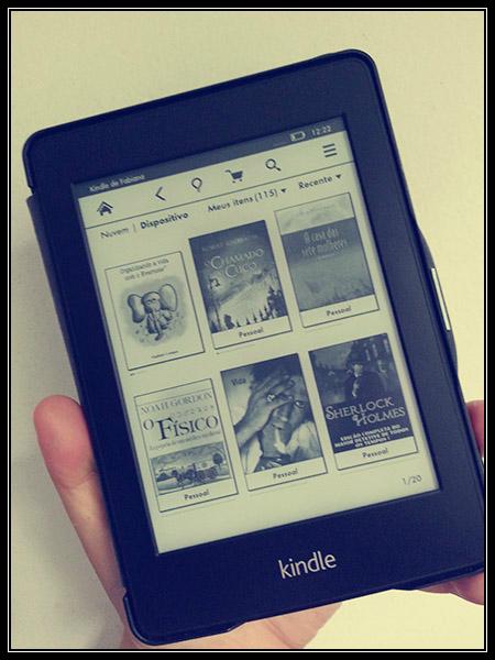 Kindle Paperwhite, meu melhor amigo na hora de dormir.